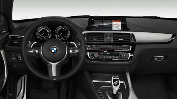 BMW M240i Cabrio Cockpit